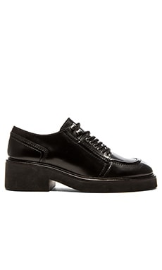 Ash Novak Oxford in Black