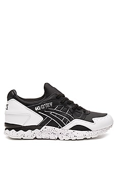 Asics Gel Lyte V in Black & Black