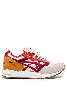Asics Gel-Saga in Off White Red