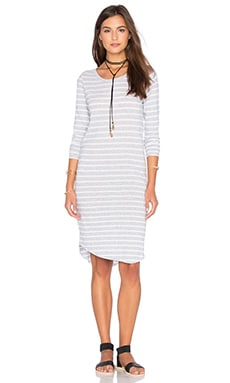 Moments Dress en Grey Marle Stripe