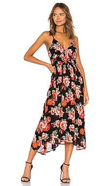 Фото - Платье marissa - ASTR the Label черного цвета