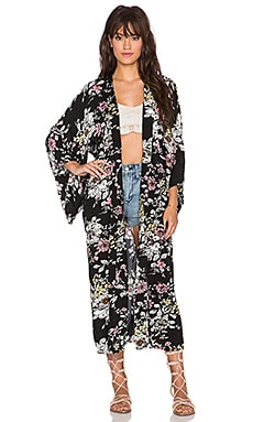 AUGUSTE Kimono in Night Bloom