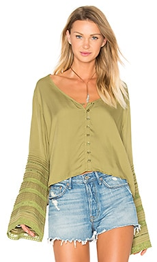 Sandy Days Belled Sleeved Top em Cáqui