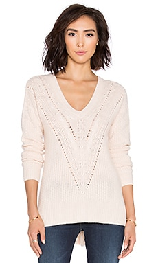 Autumn Cashmere Hi Lo Cable V Neck Sweater in Blush