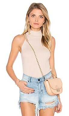 Rib Mock Neck Halter Sweater em Latte