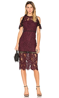 Evie Dress en Bordeaux