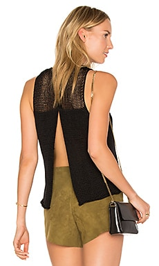Huacura Crop Sleeveless Sweater en Negro