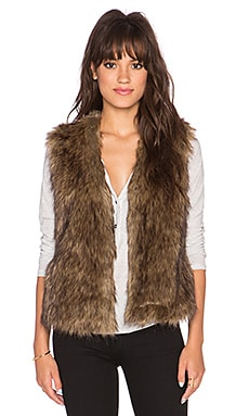Jack by BB Dakota Castleton Faux Fur Vest in Light Beige