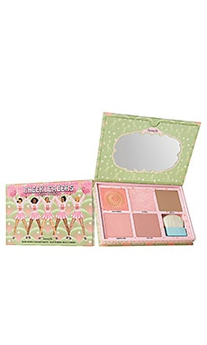 GAMA DE COLORES ROSADA CHEEKLEADERS Benefit Cosmetics $60