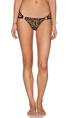 Gunpowder & Lace Skimpy Bikini Bottom en Dentelle Noire