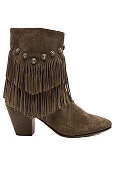 Belle by Sigerson Morrison Yardley Boot in Vigogna