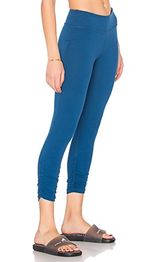Essential Gathered Capri Legging