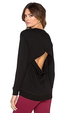 Beyond Yoga Cozy Fleece Breeze Pullover in Black