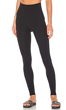 LEGGINGS LARGOS TAKE ME HIGHER Beyond Yoga $88 MÁS VENDIDO