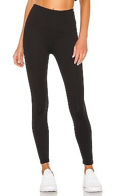 Sportflex High Waisted Midi Legging Beyond Yoga $79 MÁS VENDIDO