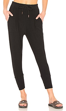 Weekend Traveler Midi Sweatpant