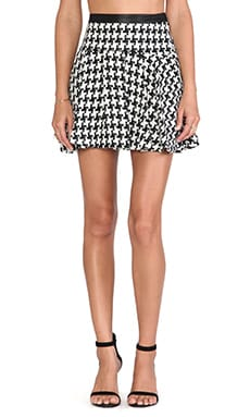 BCBGeneration heckered Pleated Skirt in Black Combo