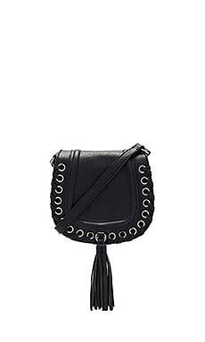 Grommet Saddle Bag in Schwarz