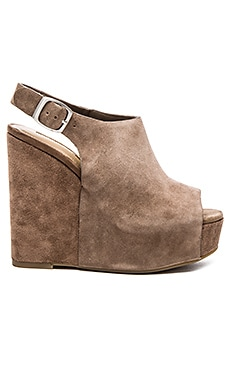 BCBGeneration Fader Heel in Warm Taupe