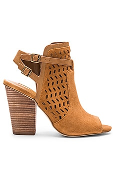 BCBGeneration Creen Heel in Camel