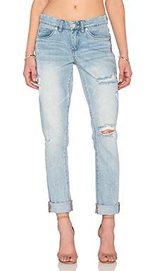 Потертые джинсы в мужском стиле - BLANKNYC от REVOLVE INT