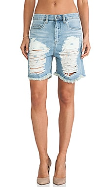 SHORT EN JEAN DESTROYED