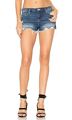 Distressed Short in Shake It Out