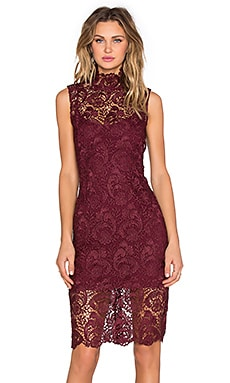 BLAQUE LABEL High Neck Lace Dress en Bordeaux