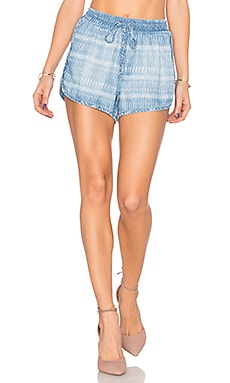Sporty Short en Tiki Stripe Wash