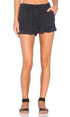 Easy Pocket Short in Black Shadow