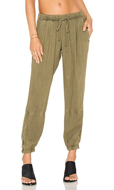Bella Dahl Zip Leg Jogger in Oakmoss
