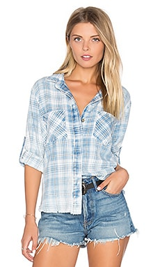 Frayed Hem Split Back Button Up em Raynes Wash