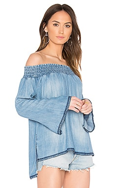 Smocked Off Shoulder Top en Canyon Springs Wash