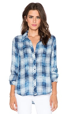 Bella Dahl Long Sleeve Button Up Top in Cloud Wash