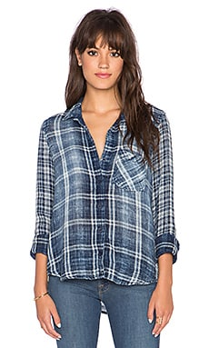 Bella Dahl Contrast Button Down Top in Worn Vintage Wash