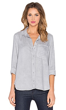 Bella Dahl Shirt Tail Button Up in Lunar Rock