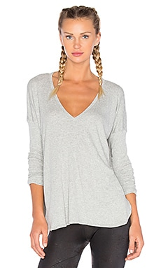 V Neck Long Sleeve Tee in Grey