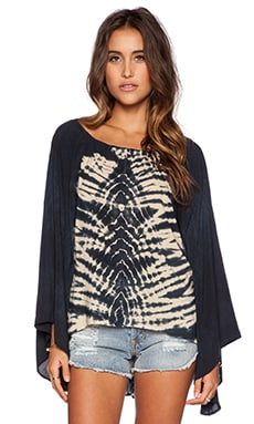 Blue Life Kimono Sleeve Tie Dye Top in Black & Cream