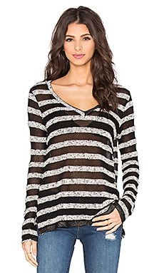 Bella Luxx V Neck Stripe Pullover in Black & Marled