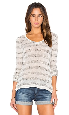 V Neck Stripe Pullover in Cream & Marled