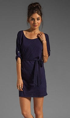 Lightweight Jersey Tie Waist Dress en Yacht