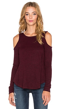Bobi Heathered Rib Cold Shoulder Top in Wine