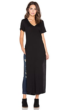 Bobi Light Weight Jersey V Neck Midi Dress in Black