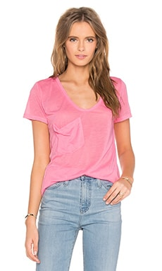 Tissue Jersey Scoop Neck Front Pocket Tee in Pink