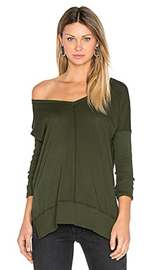 Light Weight Jersey V Neck Tunic en Mistletoe