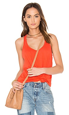 Light Weight Jersey Scoop Neck Tank en Tigerlily