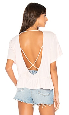 Light Weight Open Cross Back Tee en Blushed