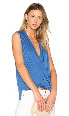 Tencel Jersey Cross Front Sleeveless Top en Bleu