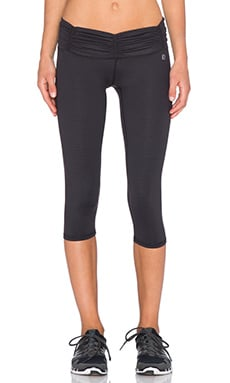 Body Language Scrunchy Capri in Honeycomb