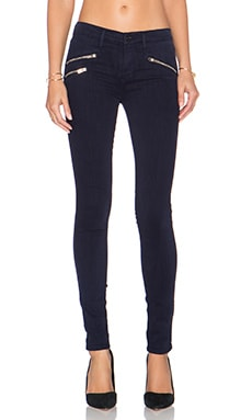 Black Orchid Billie Zipper Skinny in Moody Navy